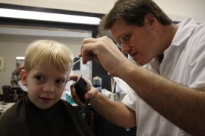 Boy_meets_barber