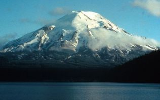 Mount-st-helens-before-after-spirit-lake-before_20384_600x450