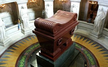 Napoleon_tomb_bordercropped