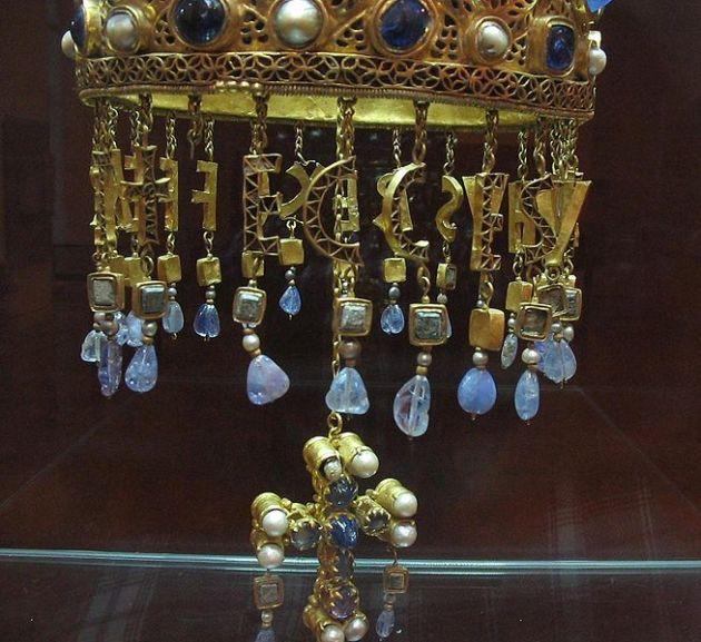 visigoth-pearl-studded-cross
